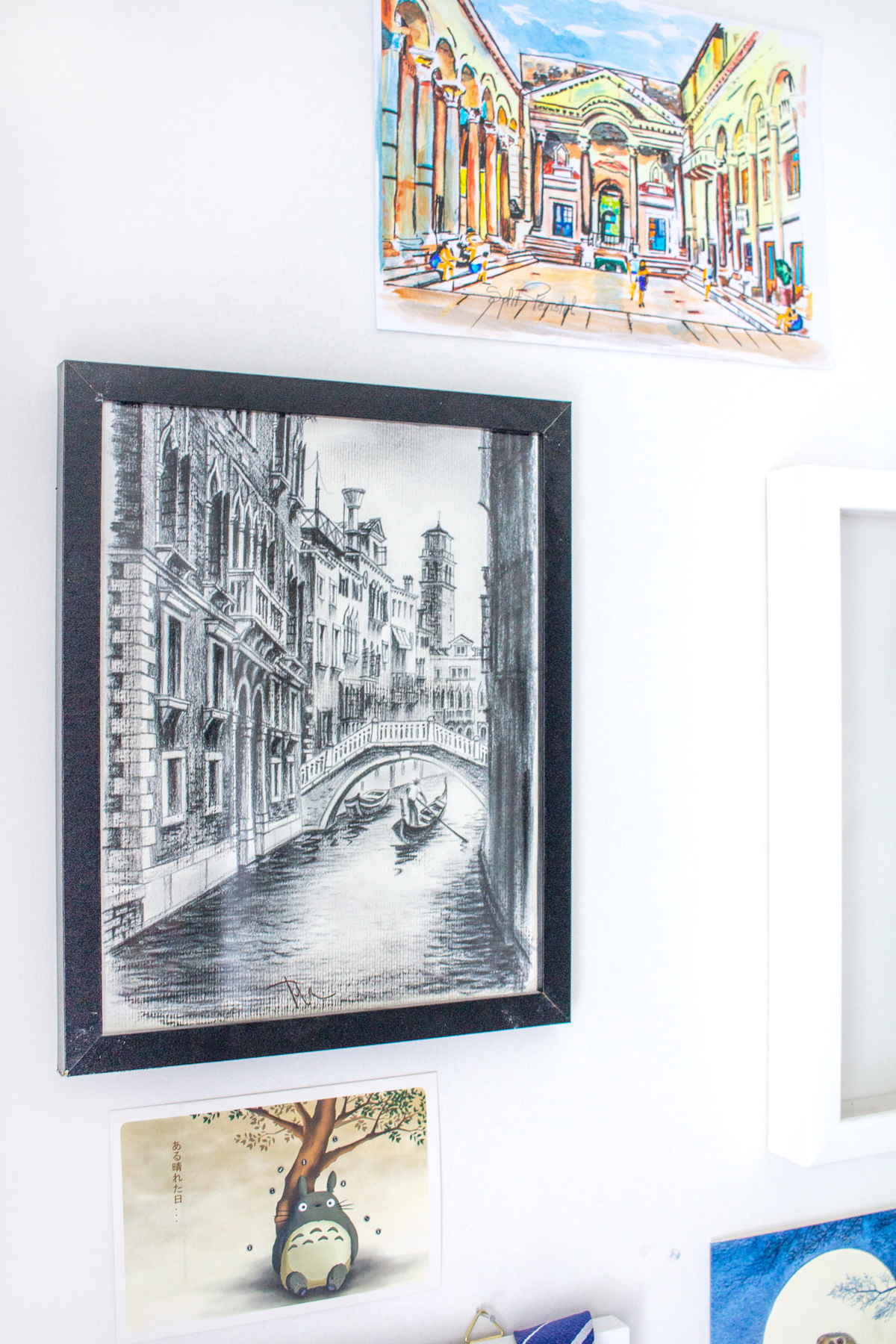 Finding Art to Create Memorable Travel Souvenirs | Venice Canal With Gondola | awaywithkatie.com