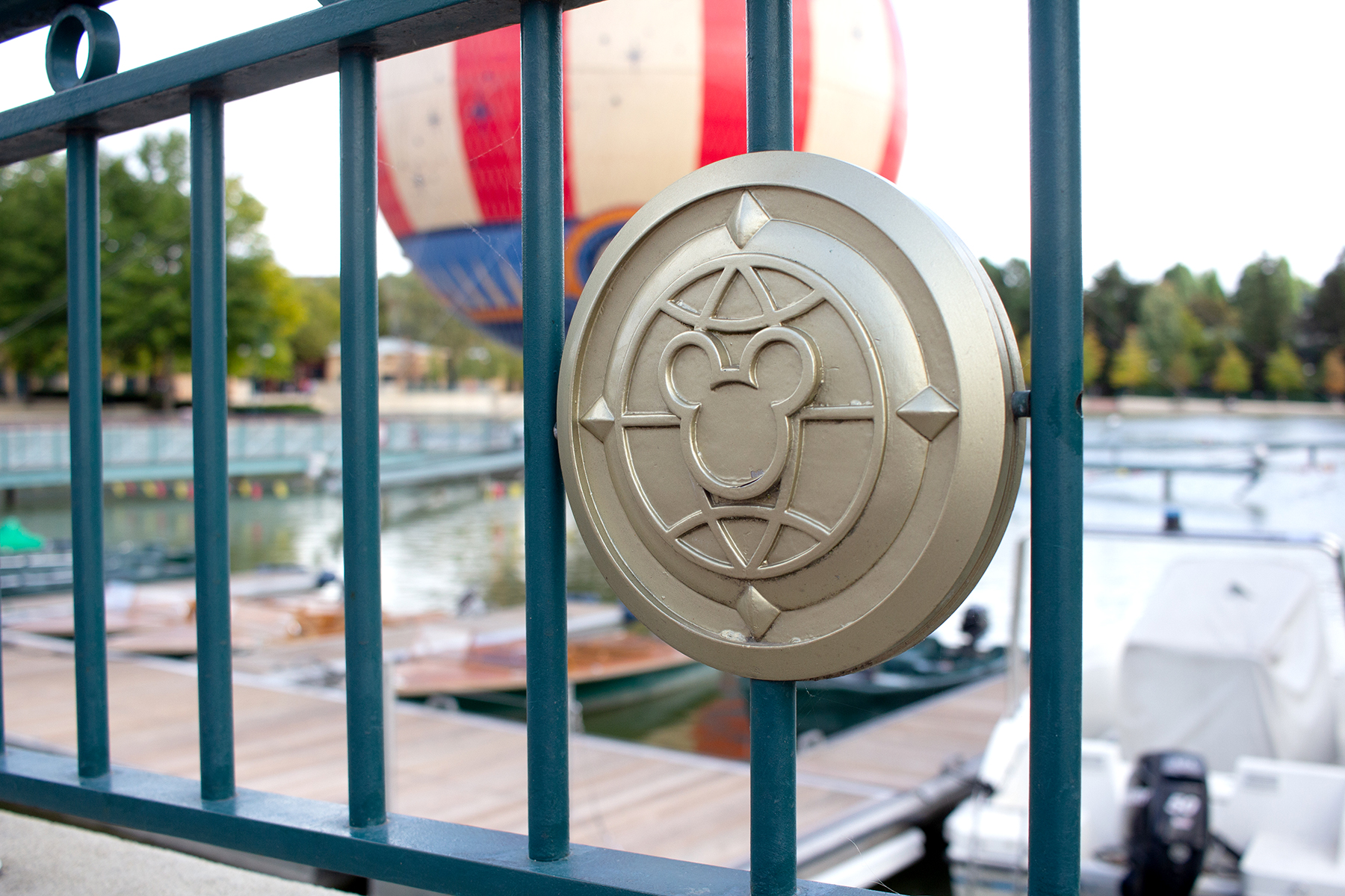 Hidden Mickey symbol on fence  | 9 Tips for Disneyland Paris